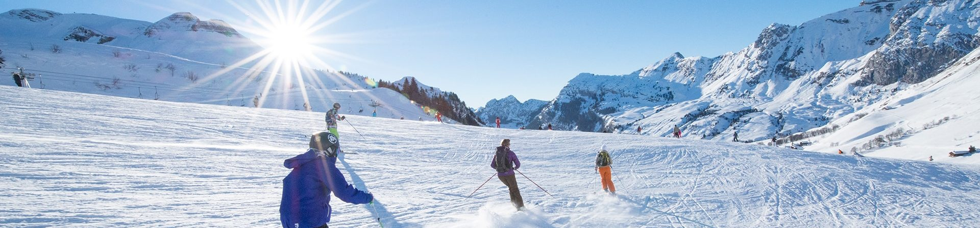 Skieurs sur les pistes du Grand-Bornand.